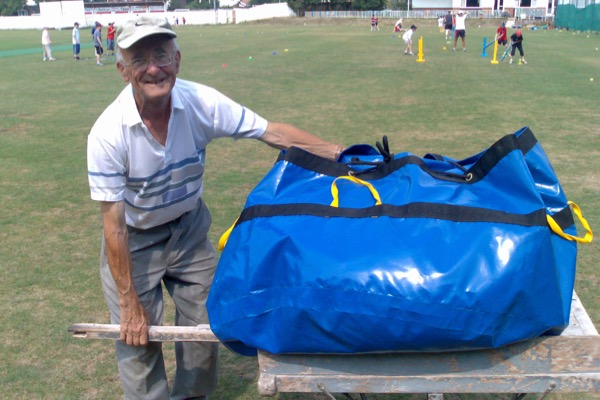Protection Bag for Climate Cover Pitch Protection on cart